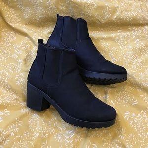 Boohoo CRUSH Chelsea Black Block Heel Boots